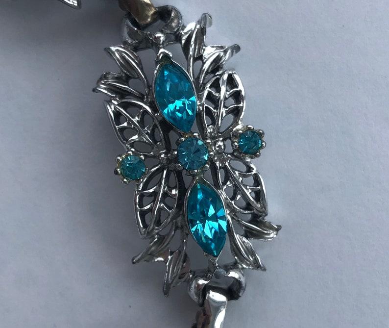 Vintage Signed Coro Silvertone /& Bright Blue Aqua Bracelet