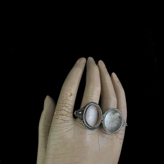 Vintage poison ring//c.1960/ sterling silver pois… - image 7