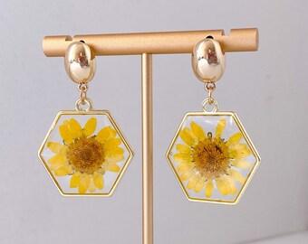 Pressed Flower Earrings | Daisy Earrings | Dried Flowers | Delicate Floral Drop Earrings | Pressed Daisy Drop Earrings | Korean Earrings