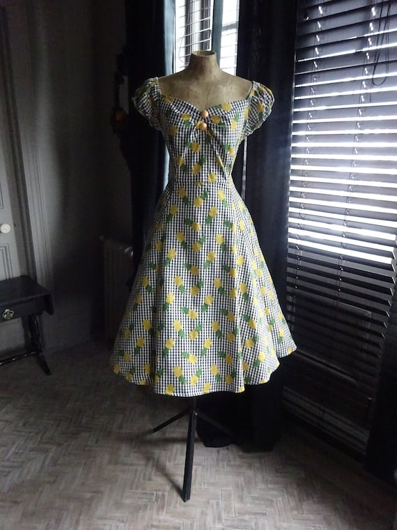 COLLECTIF SUMMER DRESS-Dolores Pineapple Gingham P