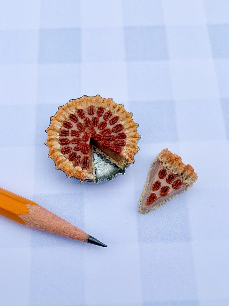 Miniature Pecan Pie Magnet with Slice image 0