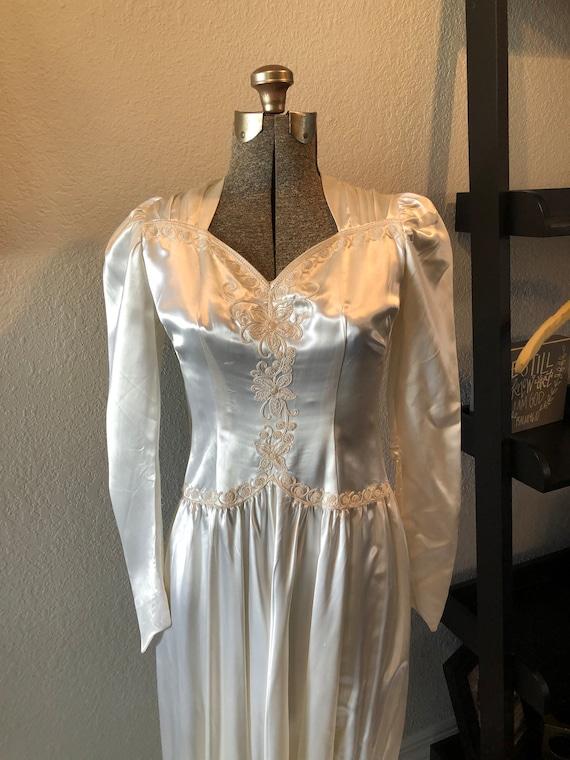 Antique Wedding Dress: Vintage 1940s Satin Dress - image 2