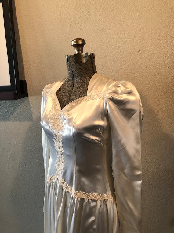 Antique Wedding Dress: Vintage 1940s Satin Dress
