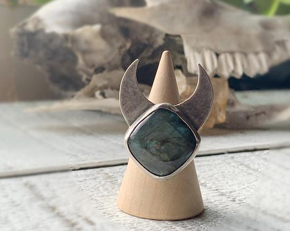 Labradorite Moon Ring