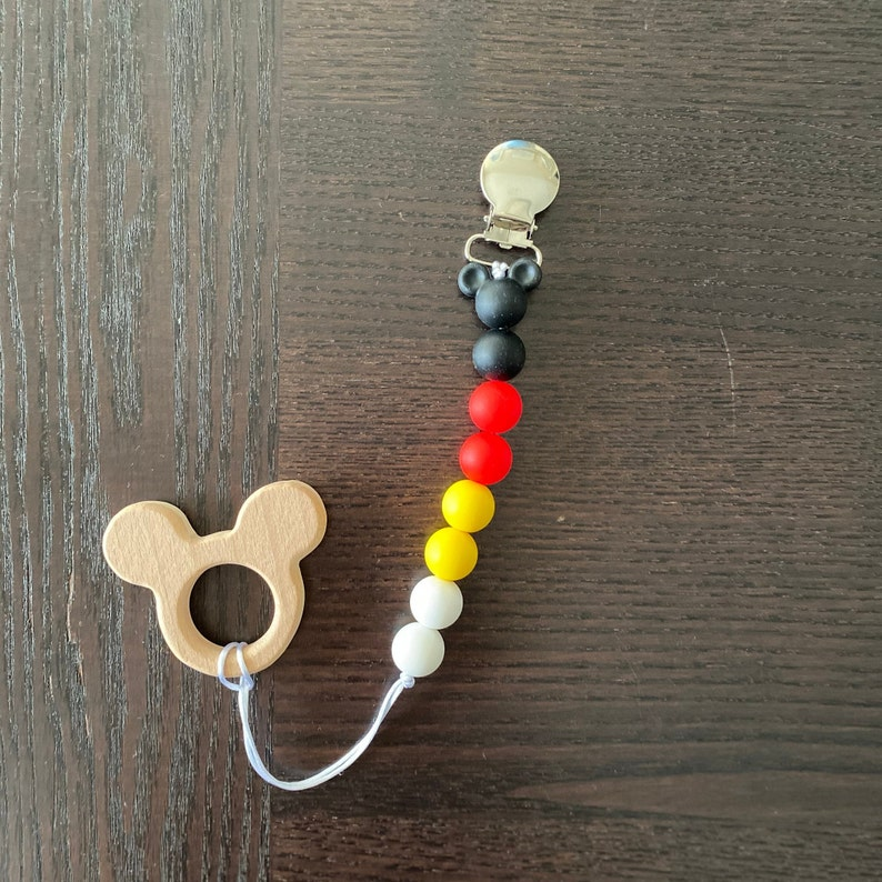 Goofy Silicone Beads Mickey and Friends Pacifier Clip Baby Shower Gifts Disney Baby Donald Minnie Mickey Teething