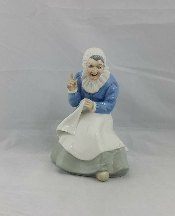 Wade Figurine Old Nannie