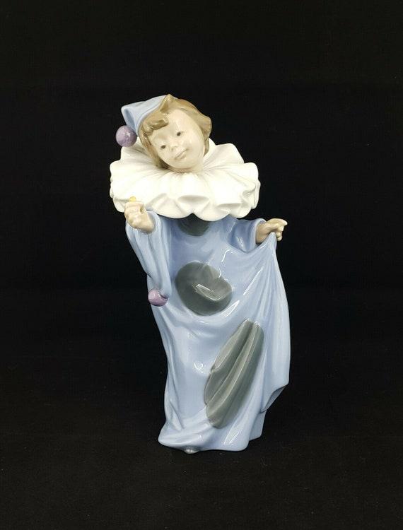 Lladro NAO Figurine Pierrot Holding Flower Model 1