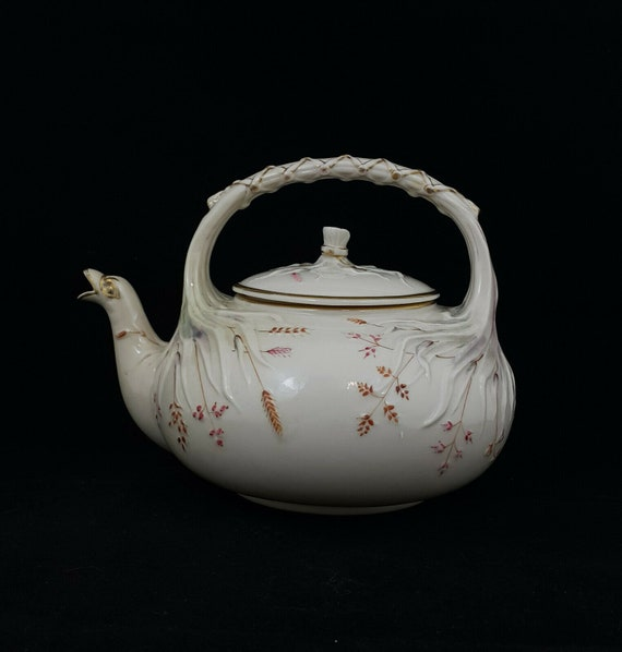 Belleek Grass Pattern Teapot