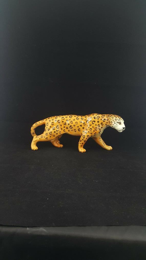 Beswick Leopard Model 1082