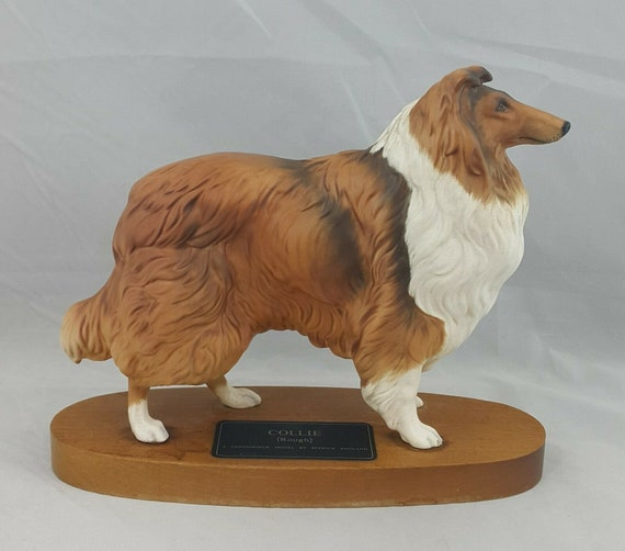 Beswick Rough Collie Model No. 2581 on Wooden Plin