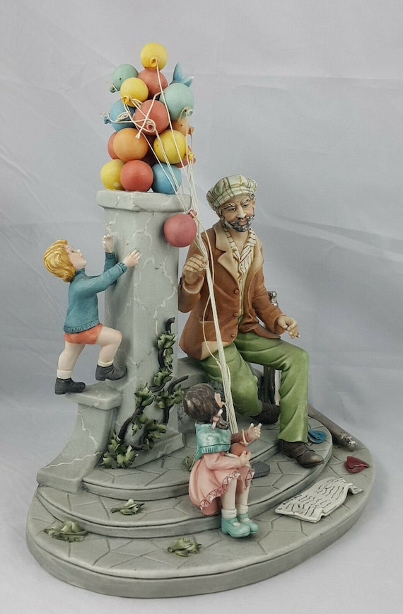 Capodimonte Figurine – Balloon Man/Seller