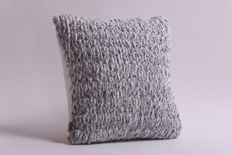 Black and white home decor Hand knit plush cushion cover Handmade fluffy couch cushion Black and White yarn pillowcase Soft pillow cover