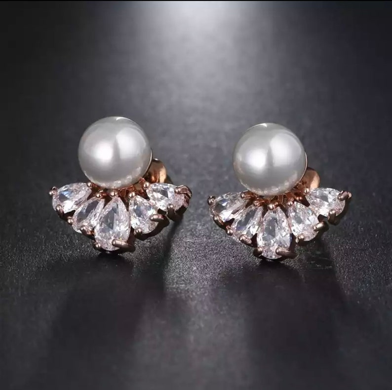 romantic jewellery Margy \u2022 Vintage delicate pearl and crystals earrings unique gifts bridal jewellery