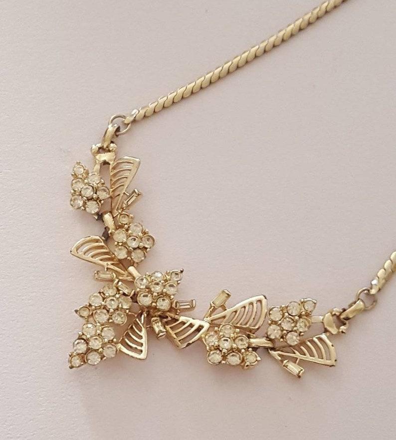 Lovely vintage rhinestone necklace