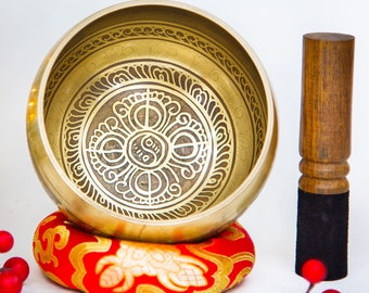 SALE END TOnight!Master Carving Handmade Singing bowl with 2 style for Meditation, Yoga, Chakra blancing and healing. et