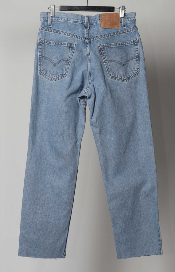 32' L  Levis 550 jeans