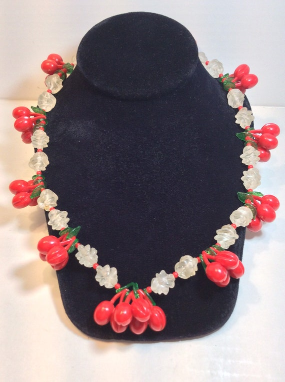 Vintage 30s 40s Cherry Necklace
