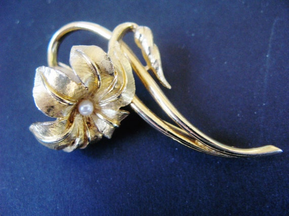 crown of thorns. Boucher brooch pat #8485p