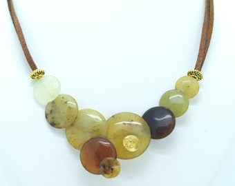 Agate stone necklace with amber shades. Unique jewel, handmade with Love