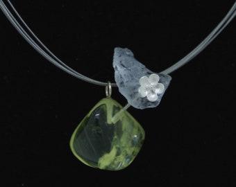 """Quartz flower"" pendant in quartz lemon and rock crystal. Unique jewel. Handmade with Love"