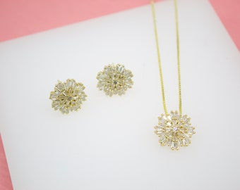 18K Gold Filled Cubic Zirconia Stone Snow Flake Pendant Necklace & Stud Earrings Set For Wholesale Jewelry (G226)