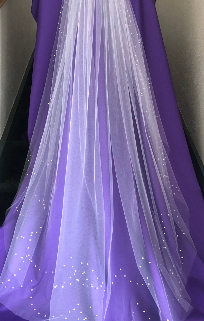 62 DW two-row scalloped veil image 0