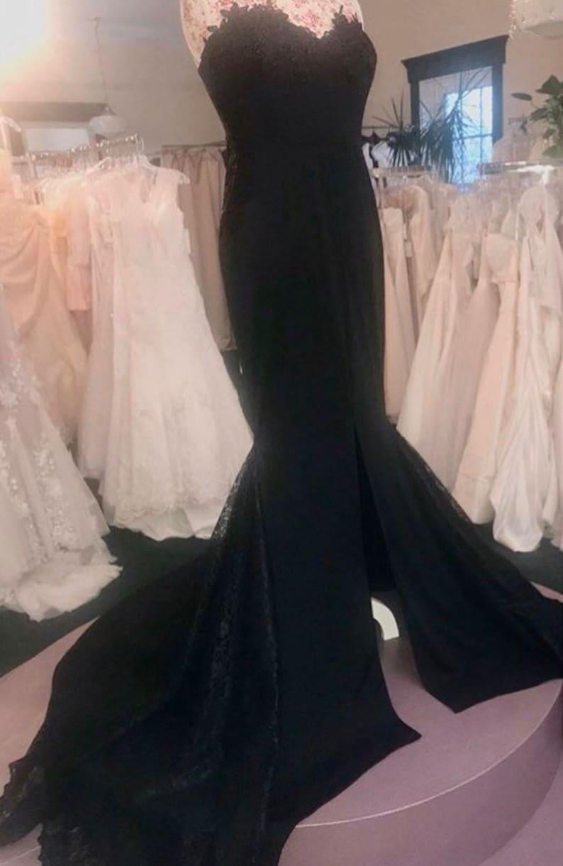 Black Lace fit-n-flare wedding dress image 0
