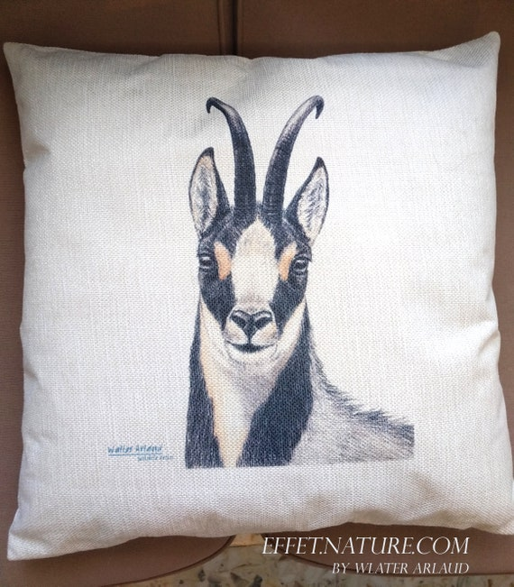 "Isard decorative cushion ""Great Fauna collection"" 40x40cm, home décor, gift, animal art, home textile"