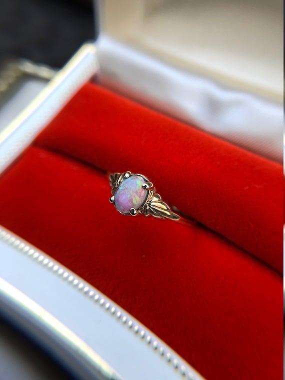 Stunning Vintage Opal Ring