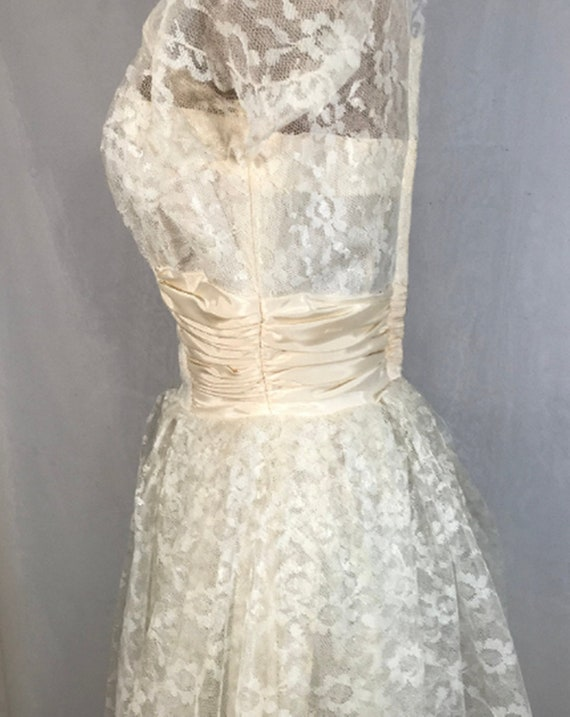 50's Ivory Lace Wedding Dress w Veil by Sylvia Ann - image 7