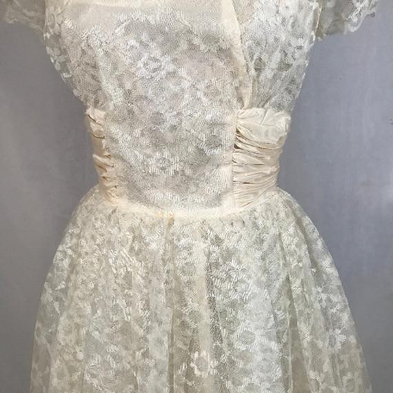 50's Ivory Lace Wedding Dress w Veil by Sylvia Ann - image 3