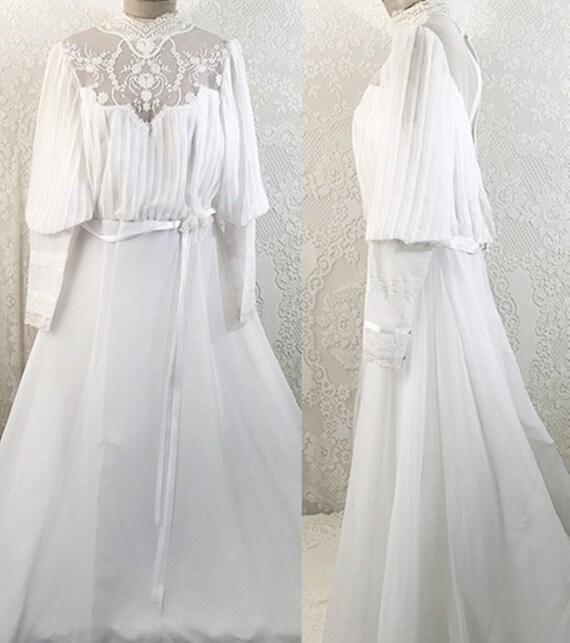 70s A Line Wedding Dress Bishop Sleeve w Train