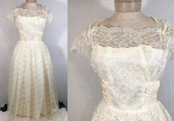 50's Sylvia Ann Ivory Tulle Lace Wedding Dress w V