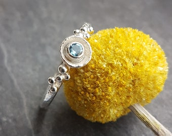 Blue Topaz and sterling 925 silver shell and bubble ring