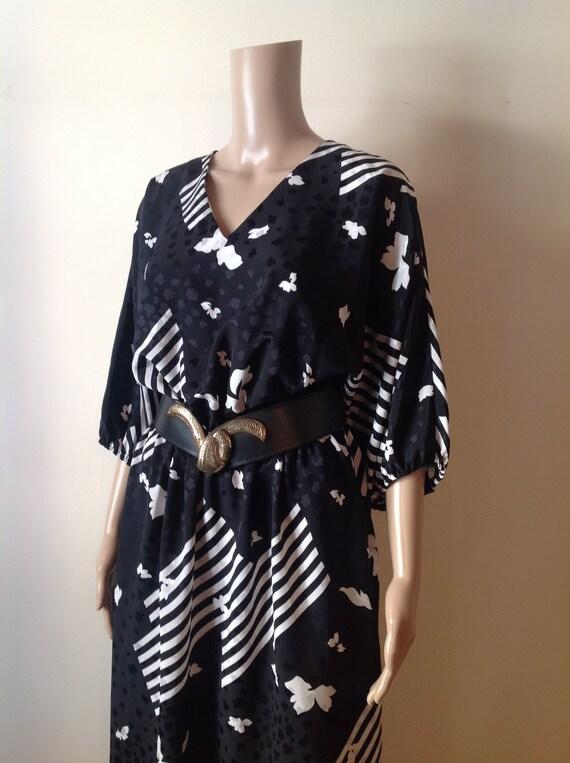 Black White Graphic Print Dress, Stripes Batwing F