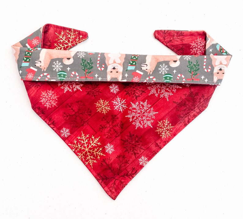 Shiba Inu  Red Snowflake Christmas Dog /& Cat Button-on Bandana Reversible Matching Scrunchie and Mask Available