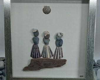 Pebble Art Friends, Pebble Art Girls, Sisters Pebble Art, Framed Pebble Ladies, Handmade Shell Art, Gift for Friend, Best Friends Shell Art