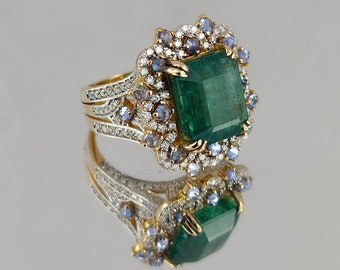 Estate Emerald Ring set in 14K Gold with Tanzanites and Diamonds