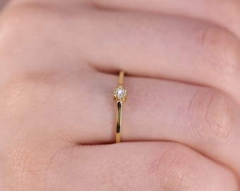 Solitaire Diamond Ring / Wedding Diamond Band / 14k & 18k Gold Minimalist Ring /Engagement Ring Available in Gold, Rose Gold, White Gold