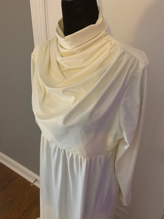 Vintage Ivory Polyester Wedding or Formal Gown - image 2