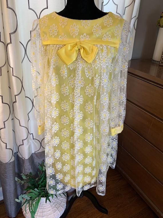 1960s Yellow Daisy Dress