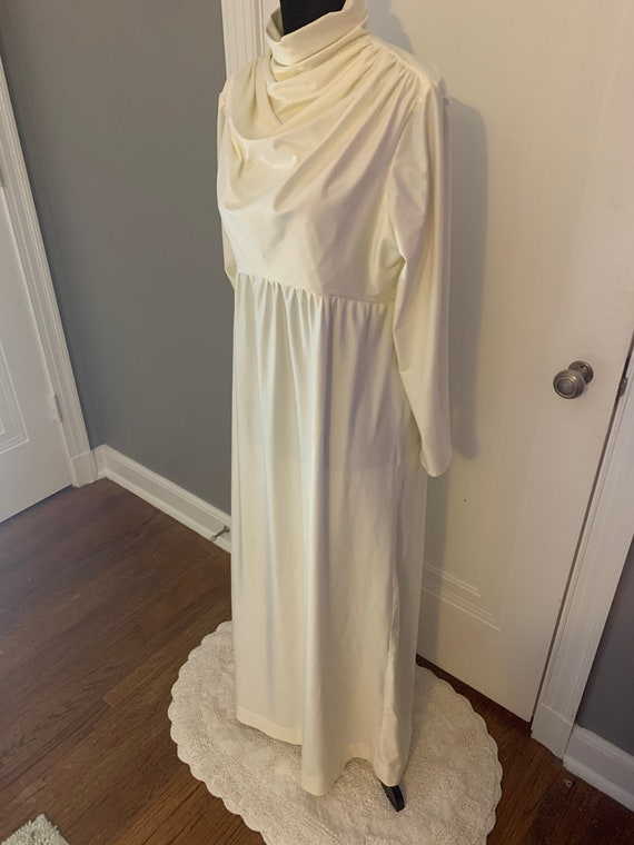 Vintage Ivory Polyester Wedding or Formal Gown