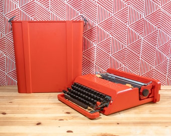 OLIVETTI VALENTINE 1969 Iconic Italian Design Red Manual Portable Perfect Working Typewriter With Original Case