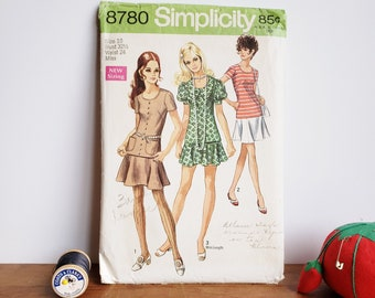 Simplicity 8780 It/'s So Easy Baby Knit Hat And Bibs Sewing Pattern
