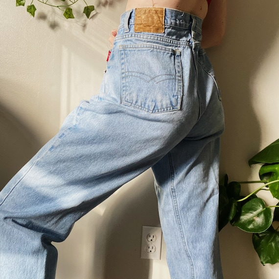 Mom jeans, cute mom jeans, medium wash mom jeans,