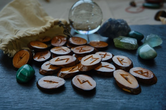Single Rune Reading, Answer an Immediate Question or Situation, Solve an Issue, Select One Rune