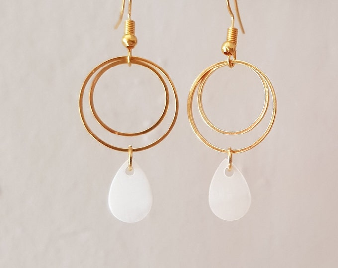 earrings with mother-of-pearl drop