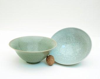 Bell bowl / bowl of muesli bowls / soup bowls ) Seladon / Craquelee bowls