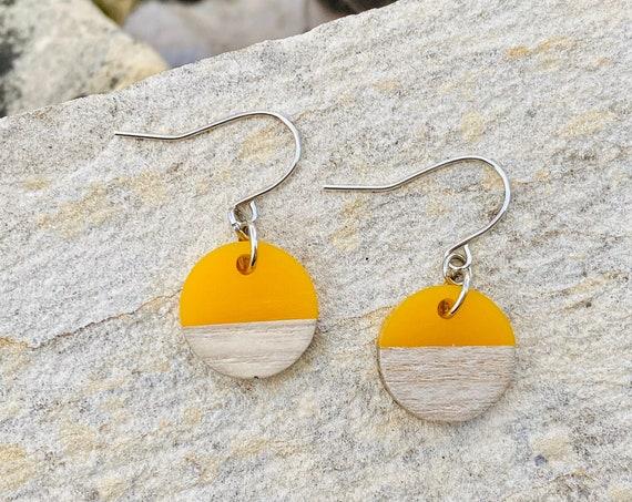 Wood & Sunshine Yellow Resin Disc Earrings (15mm)