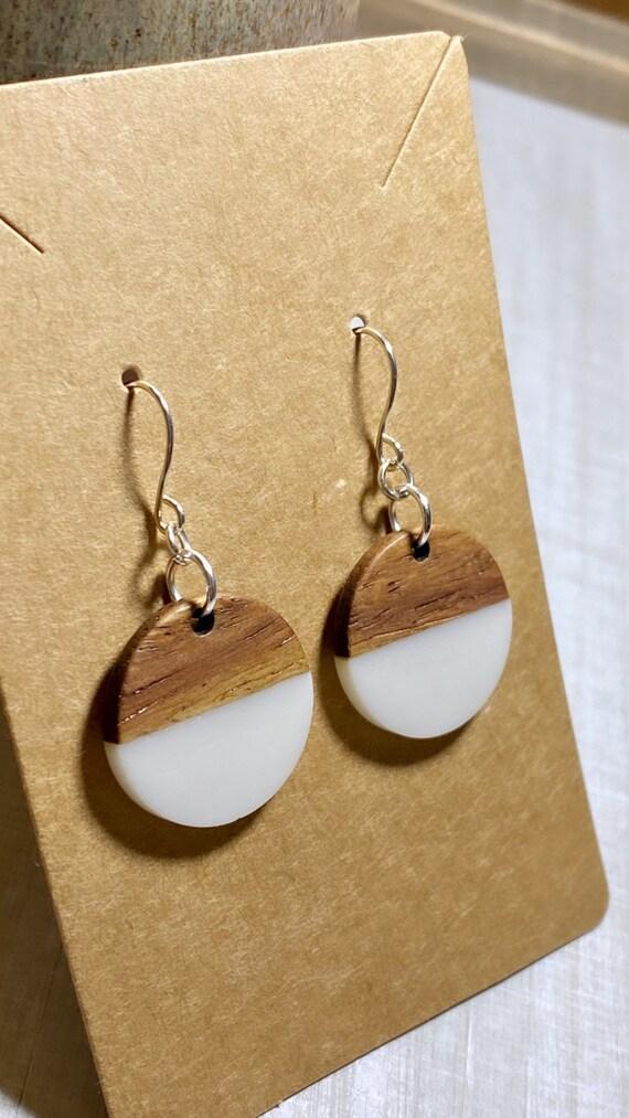 Wood & White Resin Disc Earrings (20mm)